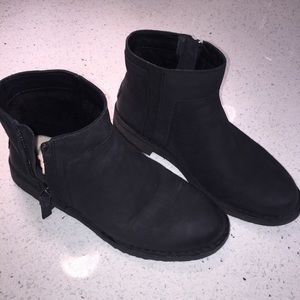 UGG Rea Leather Bootie, Black